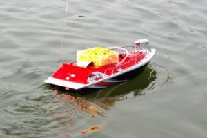 лодка для прикормки рыбы своими руками