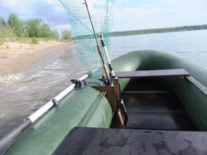 Как правильно подобрать держатель спиннинга для применения в лодке на основе ПВХ